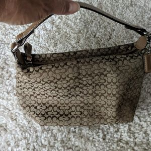 Cute Coach purse in excellent condition.